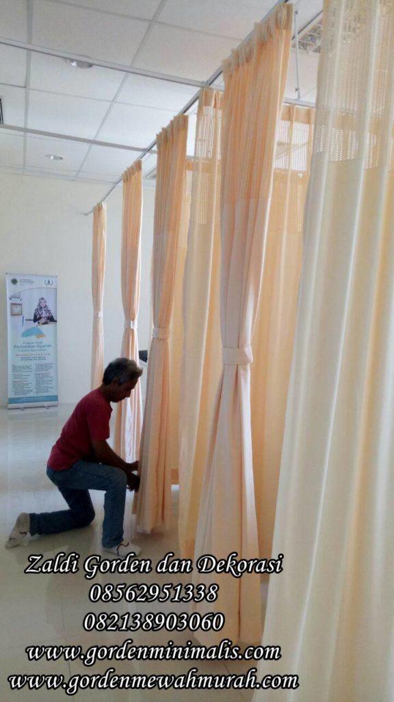 Gorden rumah sakit anti noda anti bakteri standar akreditasi rumah sakit rel lengkung penyekat ruangan operasi ugd igd icu resusitasi ruang obat dapur