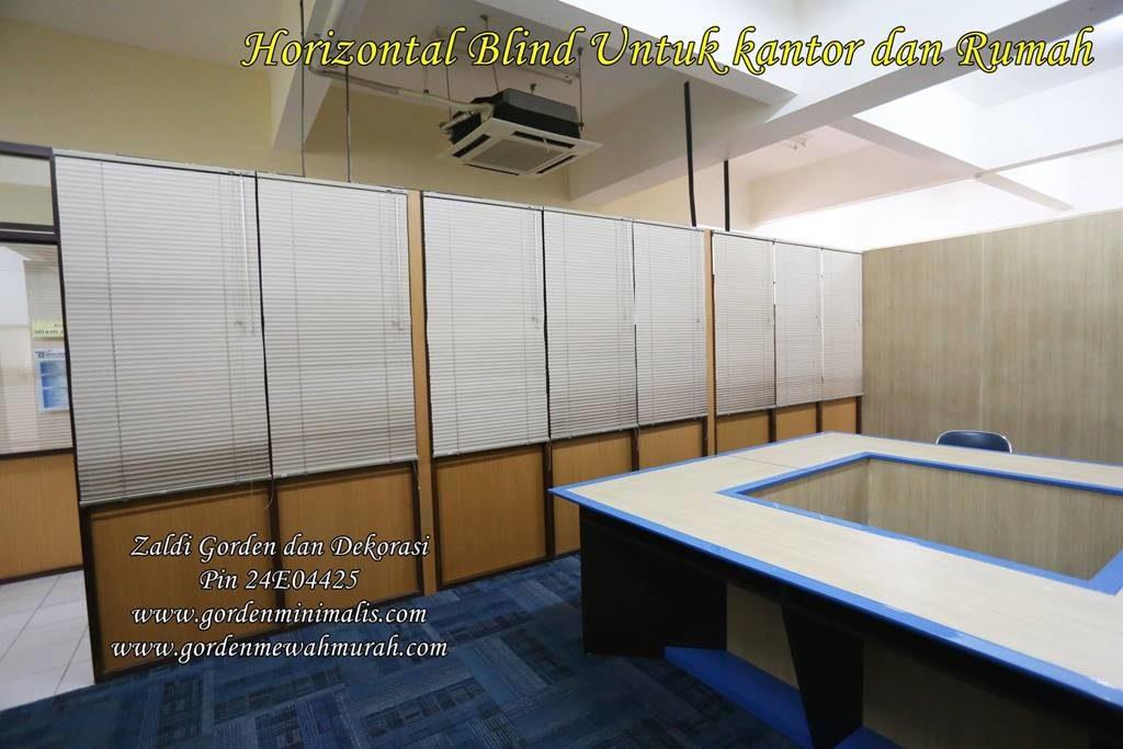 gorden horizontal blind motif kayu