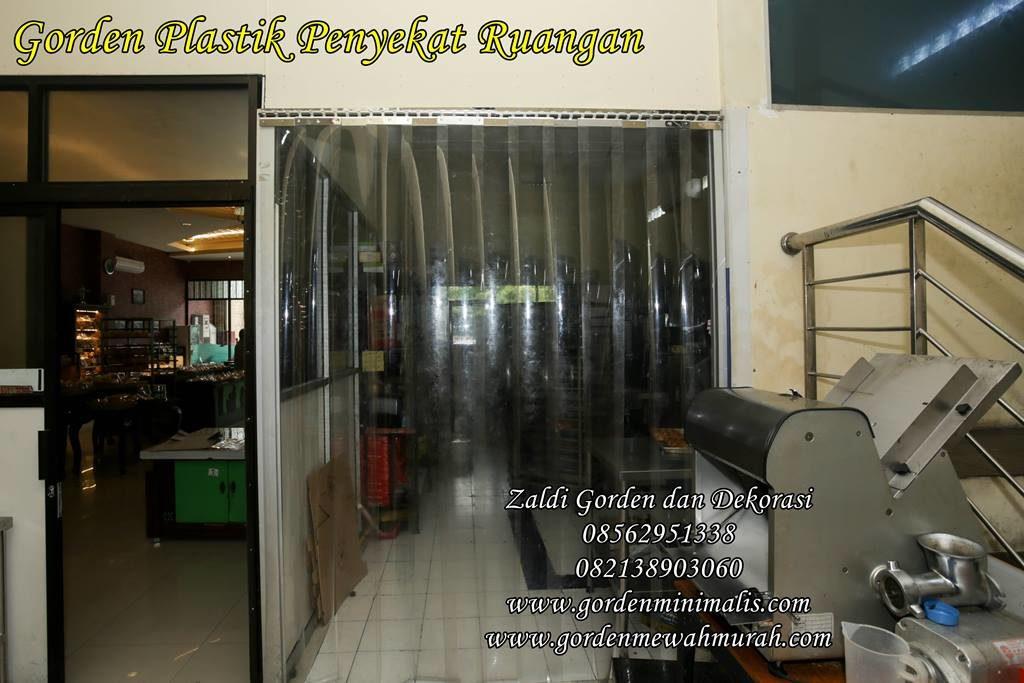 tirai gorden plastik penyekat ruangan dapur rumah sakit toko industri pabrik pvc strip curtain 1