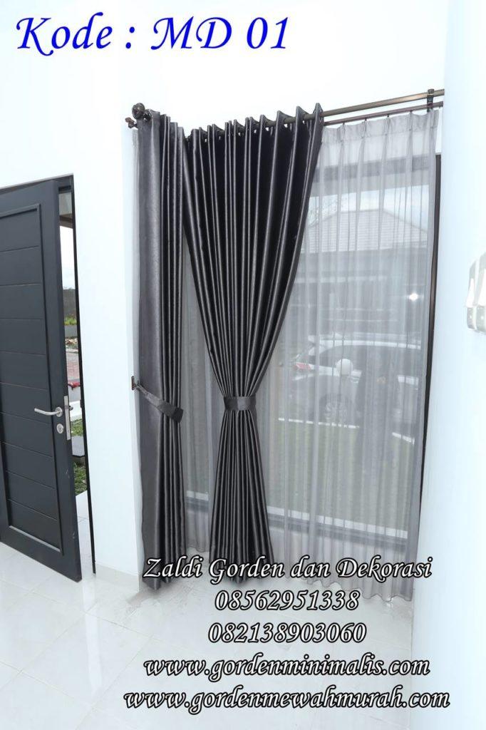 contoh gorden minimalis untuk jendela besar