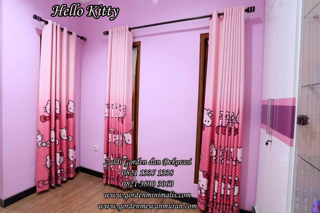 gorden hello kitty untuk kamar anak perempuan