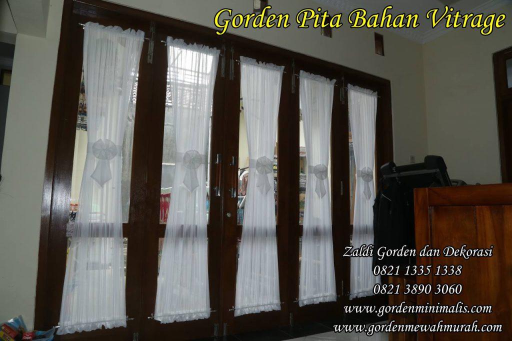 Gorden jendela kecil model pita