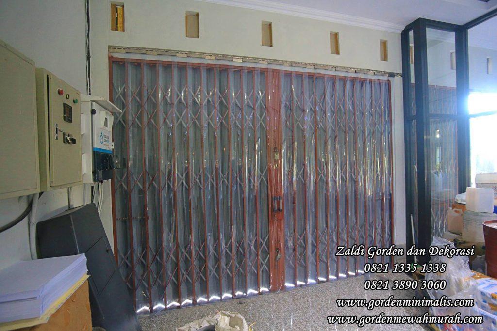 Tirai Plastik untuk pintu keluar masuk ruang pendingin cold storage