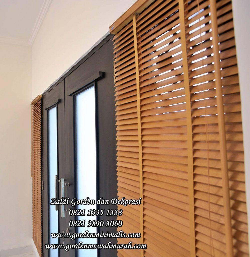 Gorden kayu wooden blind tirai krey gulung